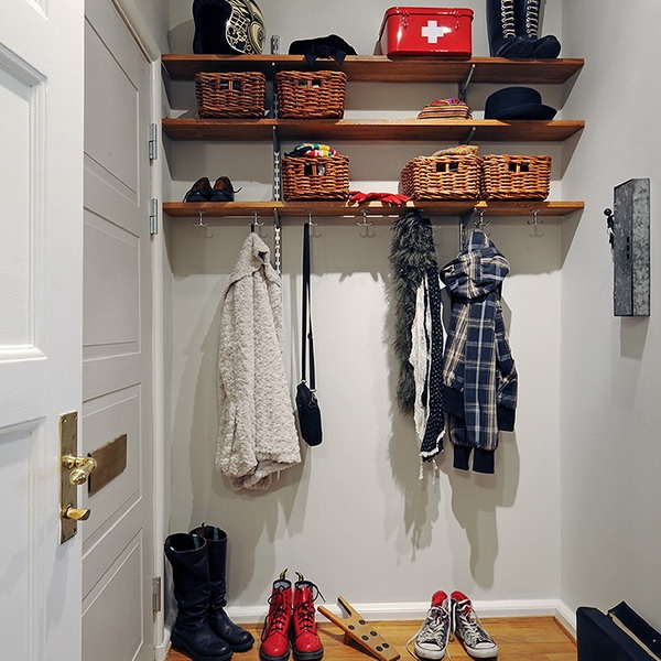 smart-storage-in-small-hallway1-11.jpg