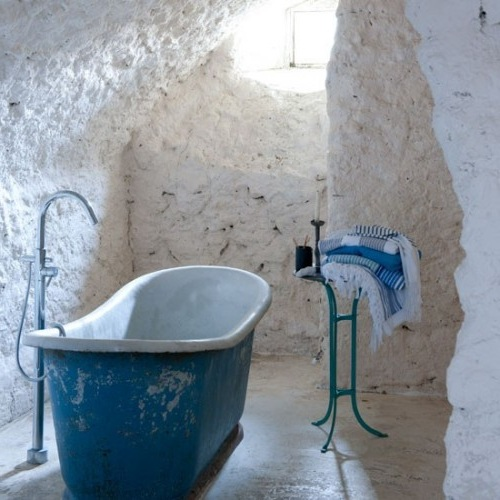 Stone-Bathroom-French-Provence-Style-Inspiring-Interiors-500x5001.jpg